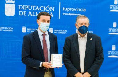 Diputacion de Almería recibe hermandad cristo de la Luz